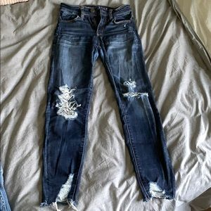 American Eagle Ripped Hi-Rise Jegging Crop